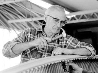 Master canoe builder dead at 101