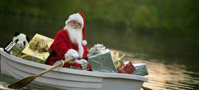 Santa_boat