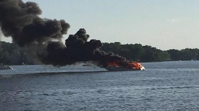 Boat fire Prior 2 Samson A_1497020931250_9731483_ver1.0